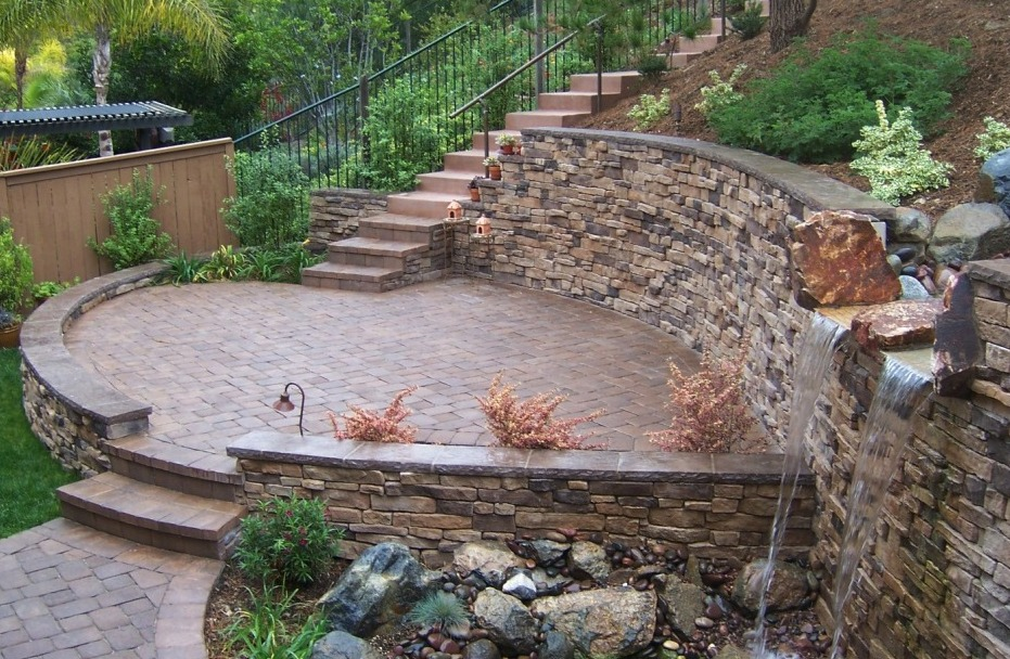 The 2 Minute Gardener Tumbled Paver Patio with