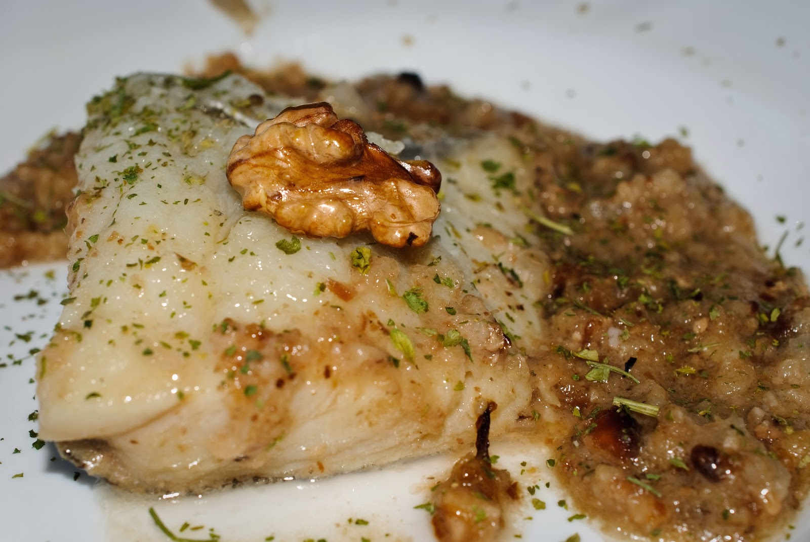 Bacalao con salsa de nueces; Cod with walnut sauce