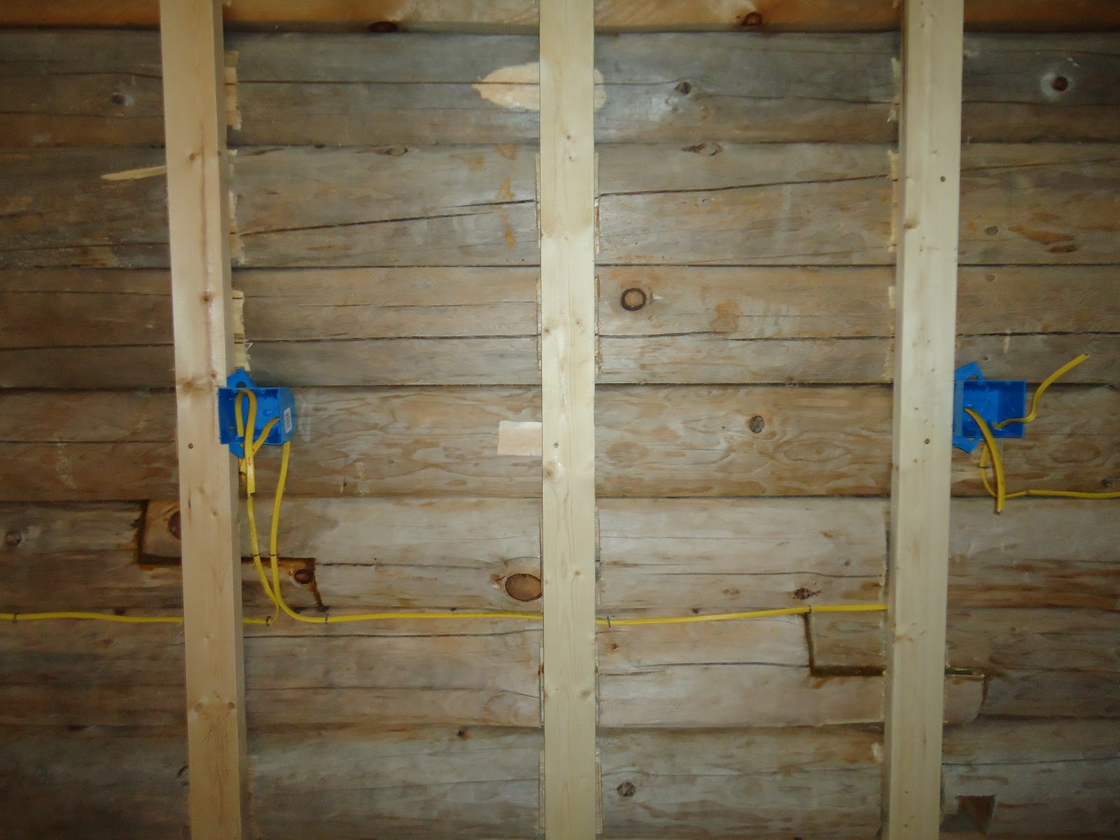at home in logs wiring the kitchen rh at home in logs blogspot com Log Home Electrical Outlets log home wiring installation