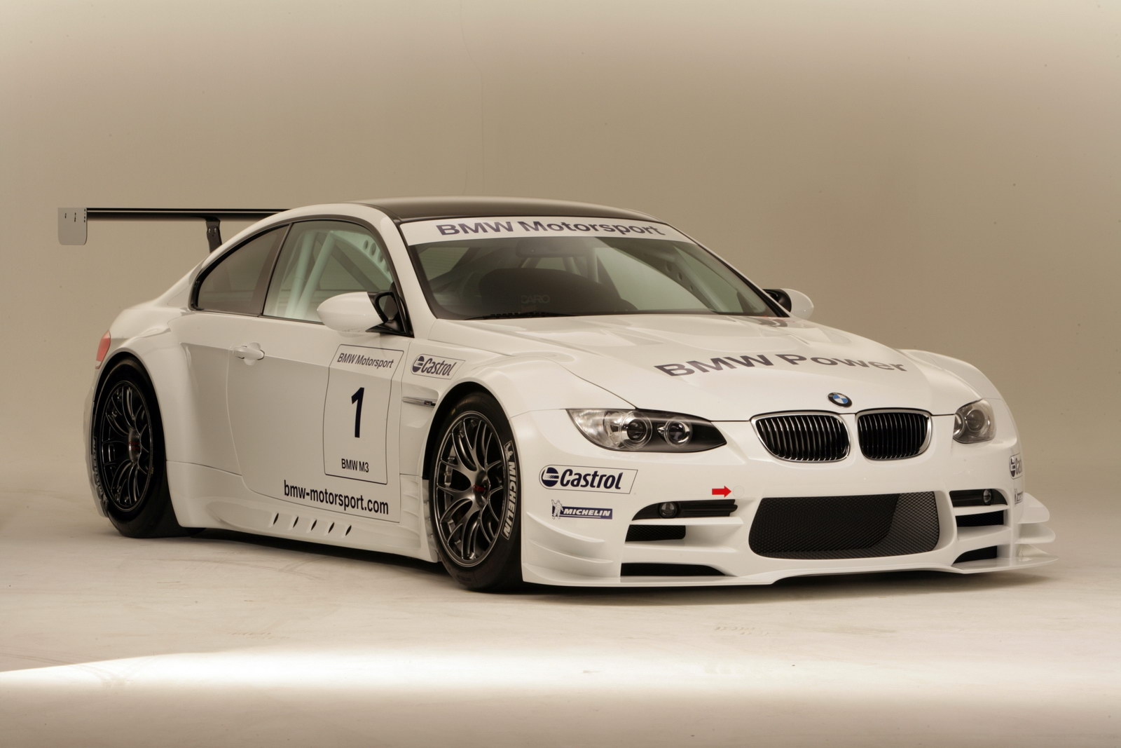 2011 bmw m3 wallpaper the car club. Black Bedroom Furniture Sets. Home Design Ideas