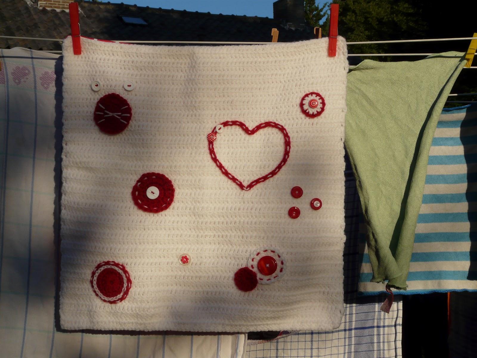 Kussen Wit 12 : Hanneke maakt: kussenhoes in rood wit