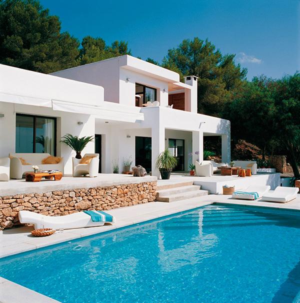 Casa lujosa con piscina en ibiza dise o de casas home for Diseno de interiores ibiza