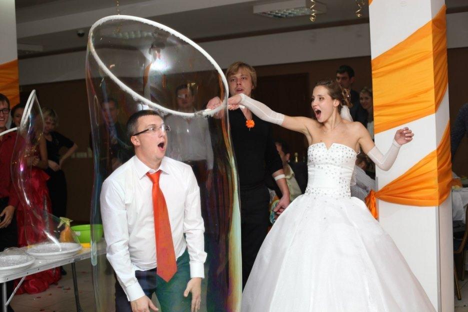 Праздничное агентство «FIESTA» в Волгограде и Волжском: Шоу мыльных пузырей на праздник в Волгограде и Волжском