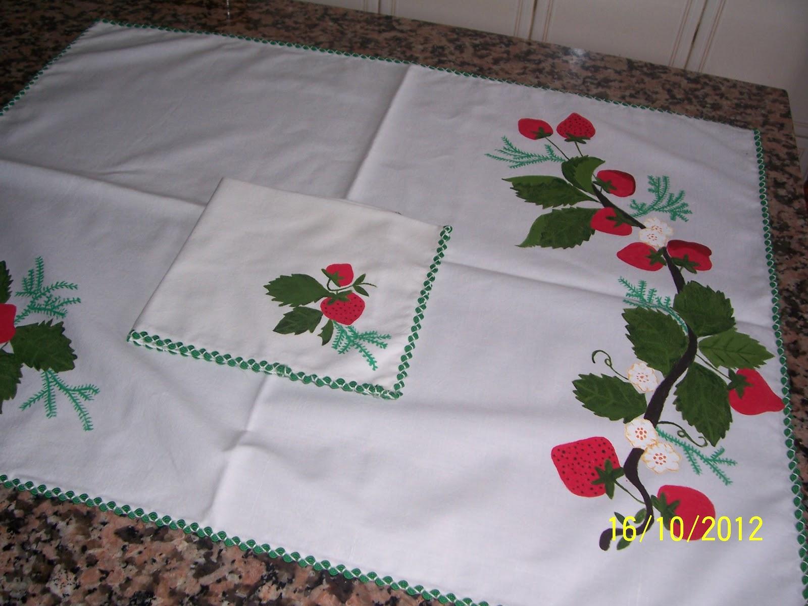 El rincon de maleni manteles con pintura en tela for Manteles individuales de tela