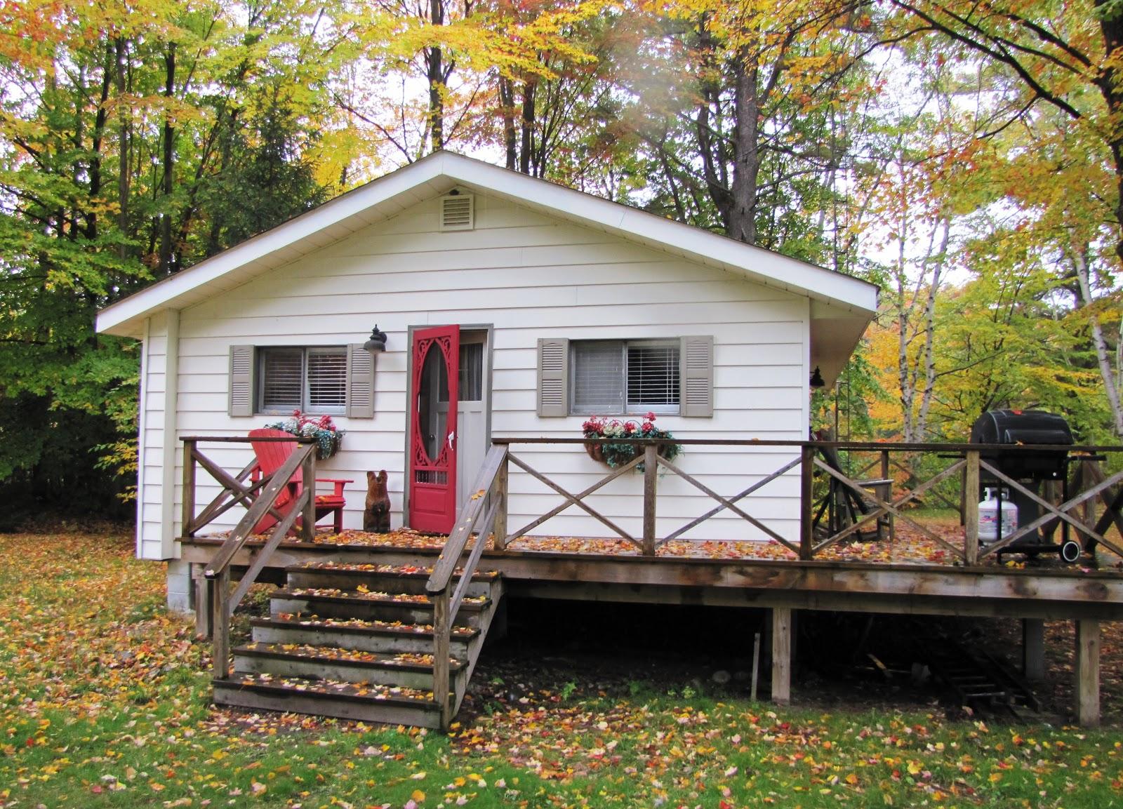 Oct 12 exclusive lake muskoka family compound muskoka for Family cottages