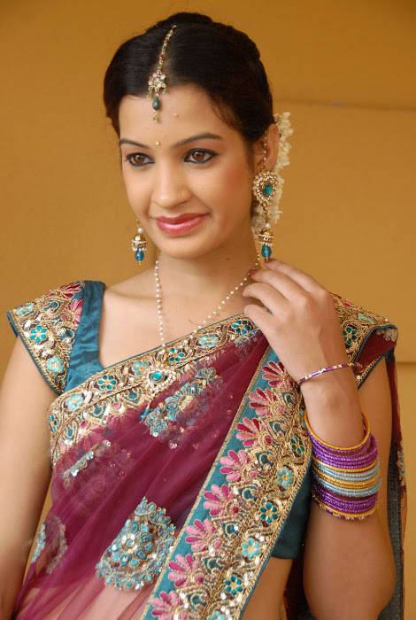 diksha panth new saree , diksha saree glamour  images