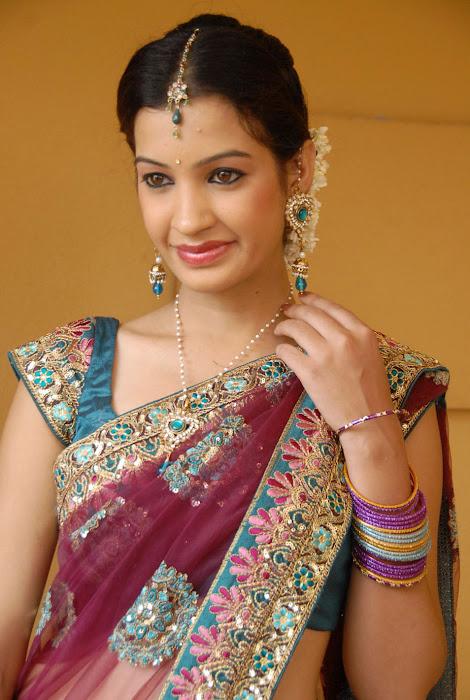 diksha panth new saree , diksha saree glamour  images