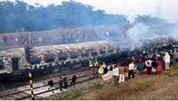 ভারতে ট্রেনে আগুন : ৪৭ যাত্রী নিহত