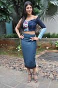 Shruti Haasan latest glam pics-thumbnail-15