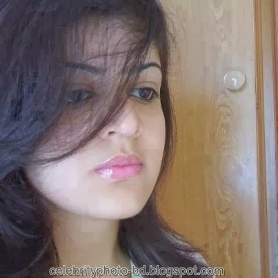 Deshi+girl+real+indianVillage+And+college+girl+Photos084