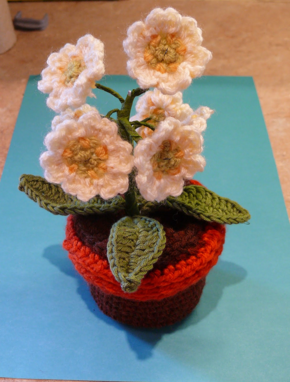 Amigurumi Flower Pot : String Theory Crochet: Part 2. How to add crochet compost ...
