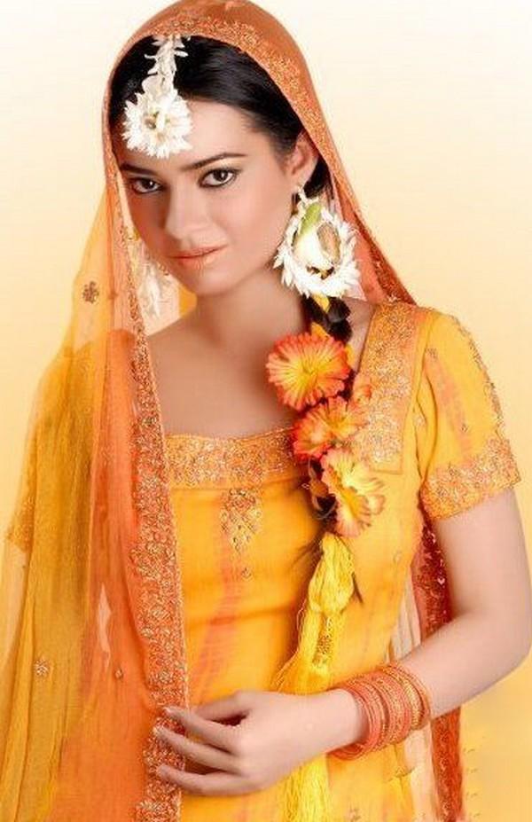 Mehndi Hairstyles I : Paki fashion hair styles for mehndi bride