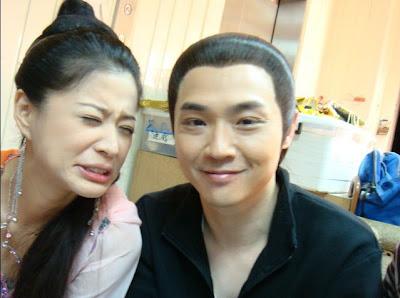 Đàn Phong làm nủng bên Chu Đệ nè ^^