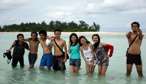 Top Tourist Spots in KarimunJawa