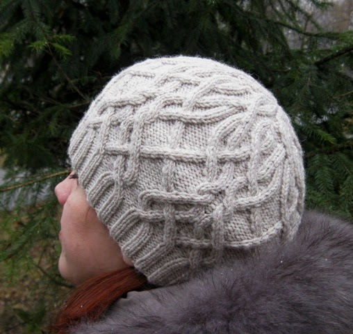 Pattern For Knitting Dishcloth : My Knitland: Crazy Cabled Beret