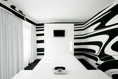 kamar tidur dengan kombinasi warna unik