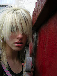 emo hairstyles for girls with long blonde hair