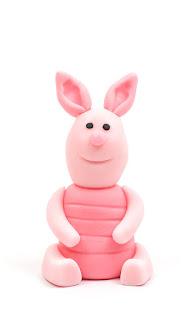 Winnie the Pooh Piglet fondant figurine front