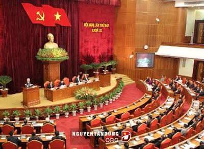 Phiên họp hội nghị Trung Ương 7.
