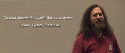 Richard Stallman utilise Gnu/Linux GnewSense sur un netbook Lemote yeeloong.