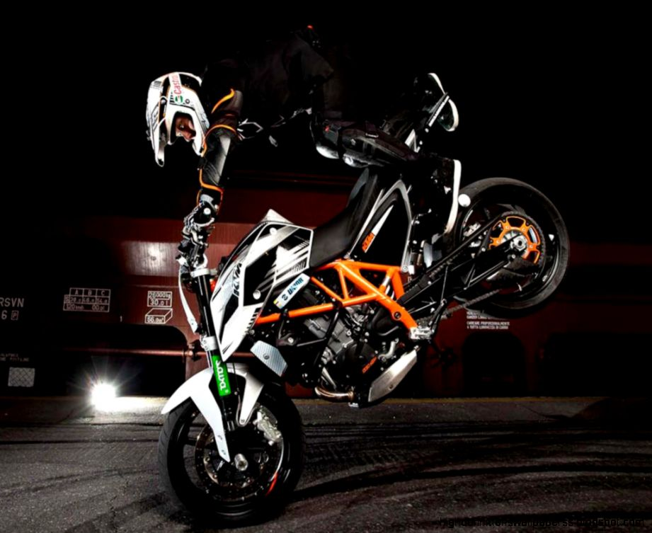 Ktm Duke Stunts Videos Download