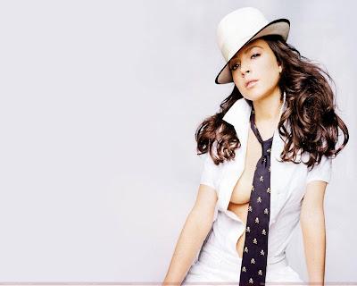 lindsay_lohan_hollywood_hot_actress_wallpaper_FilmyFun.blogspot.com