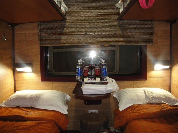 livitrain deluxe cabin,train from ha noi to sapa