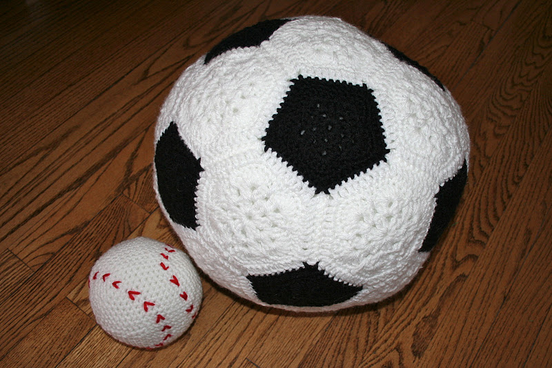 Soccer Ball Knitting Pattern : Pass the Cereal: Work-in-Progress Wednesday 15