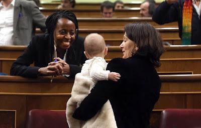 LLevar un bebé al congreso no es conciliar