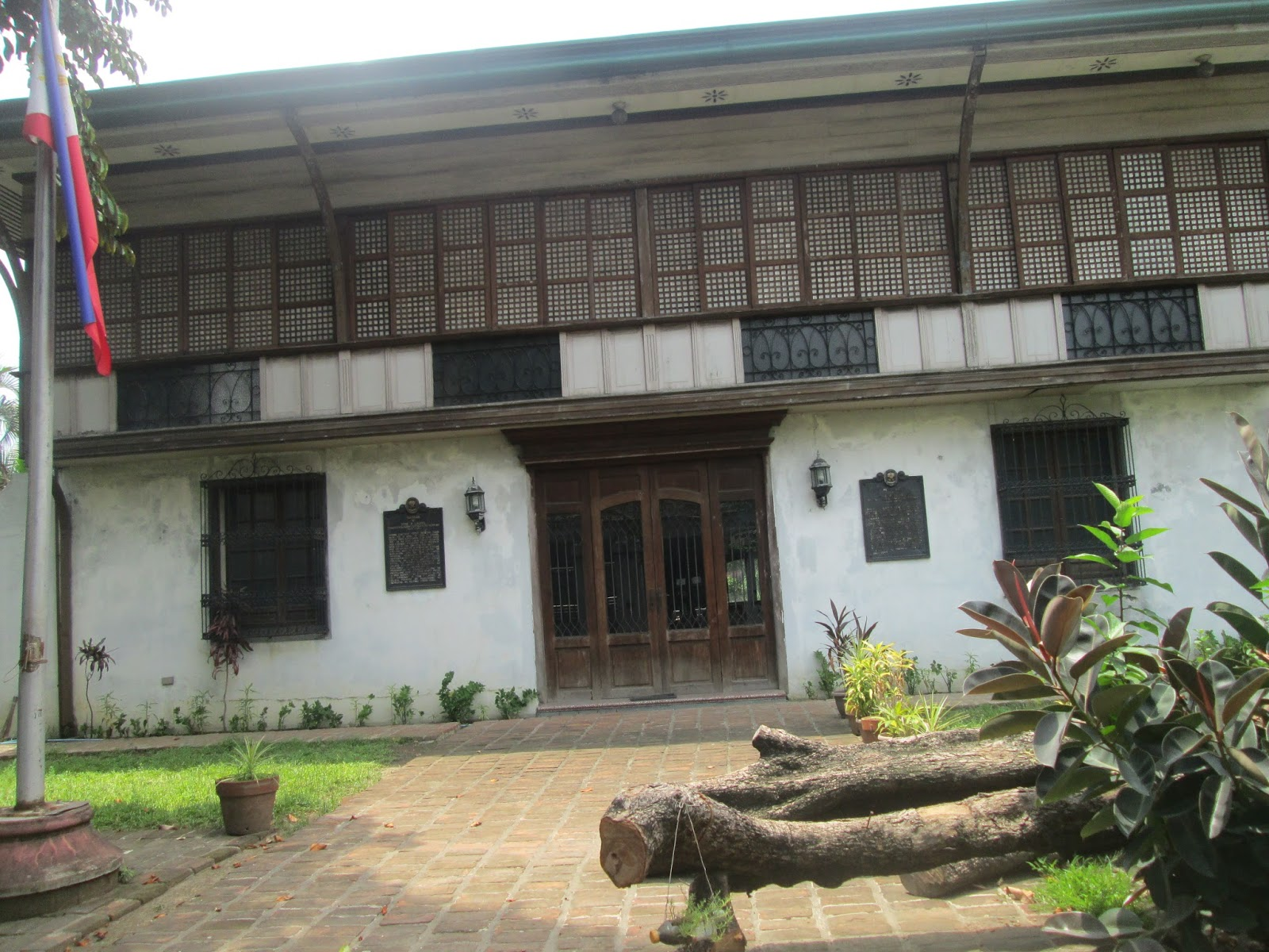 Historical landmarks in paco manila philippines for Laurel house