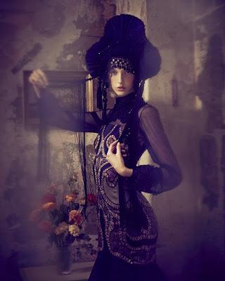 serie photographie art mode luxe shooting mannequin frida khalo photographie elizaveta porodina