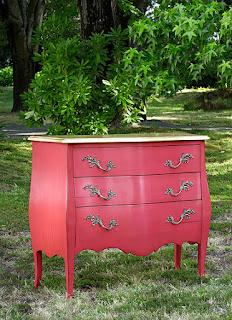 5 muebles rosas para el dormitorio for Muebles la rosa