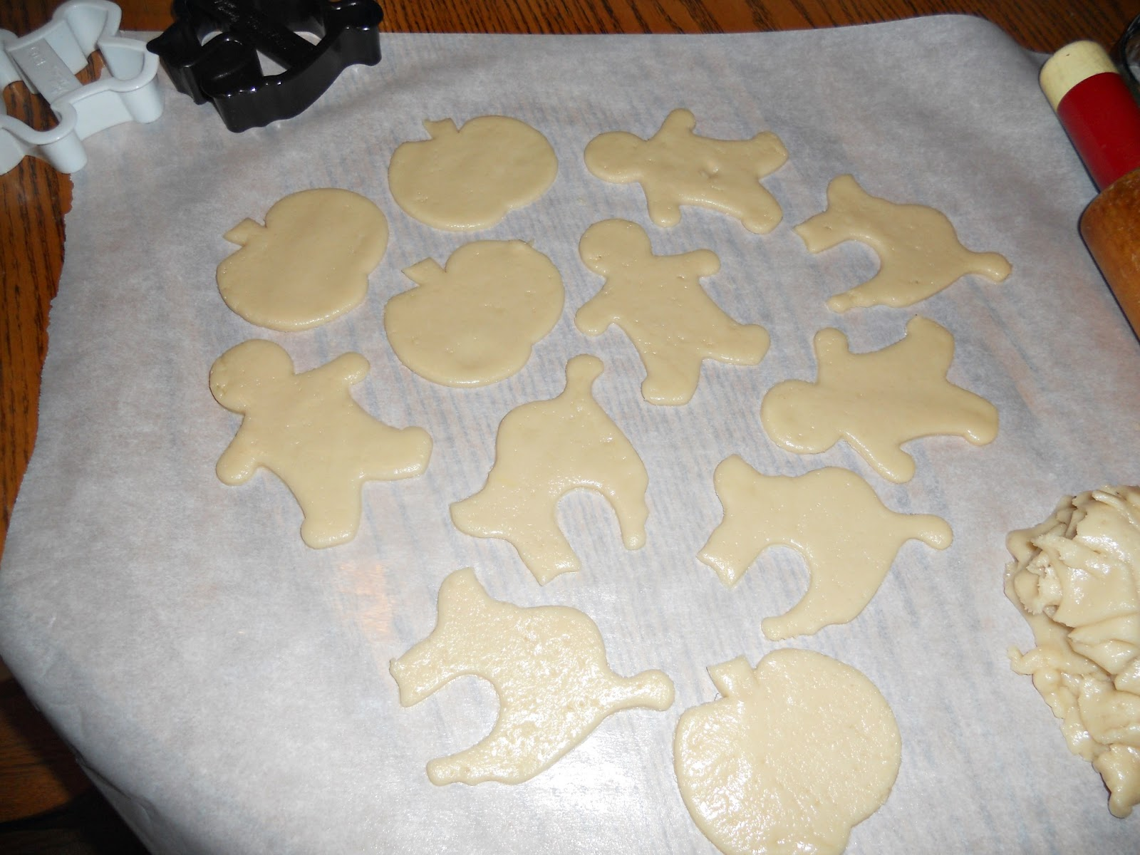 vegan halloween sugar cookies #sundaysupper - hezzi-d's books and cooks