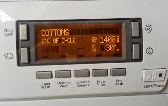 Hotpoint HULT 943 Washing Machine digital display end of cycle