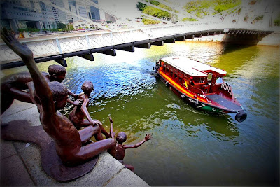 bumboats, Singapore River, Destination Character