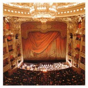 ไปดูละคร ที่ปารีส กันดีกว่า คลิกขวา บนภาพโรงละคร เปิดหน้าต่างใหม่