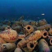 В Италии археологи представили публике уникальную коллекцию древних ваз
