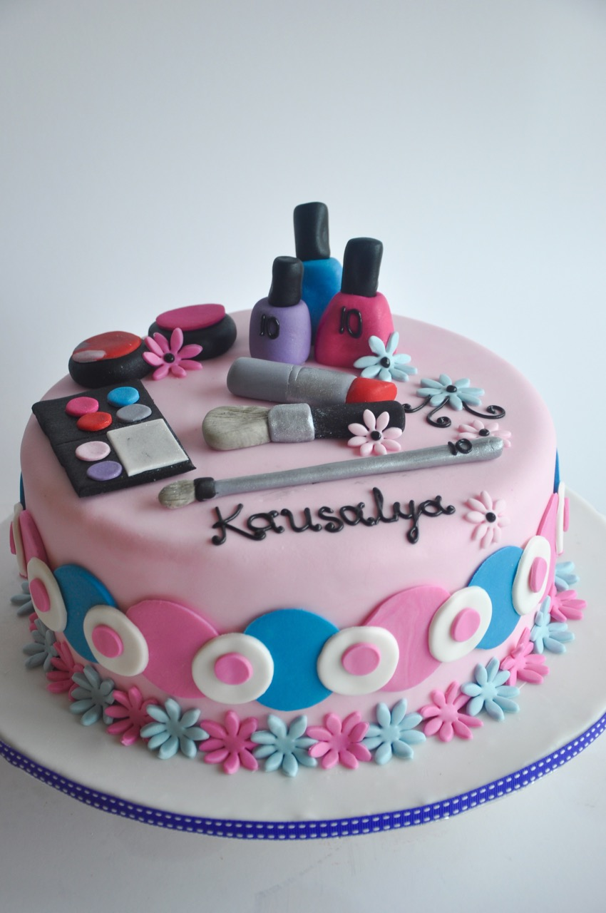 Rozannes Cakes Makeup Birthday Cake