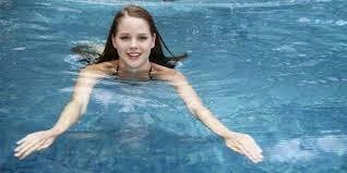 Tips pernafasan saat berenang bagi para pemula