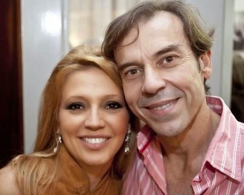 Tragédia na família Coqueiro. Marcus Coqueiro, renomado diretor de TV, foi atingido por um tiro acidental disparado pelo filho, Gabriel Campos Leito Coqueiro de Vasconcelos, de 23 anos. Marcus não resistiu ao ferimento e faleceu minutos depois em sua chácara, na Taquara, Zona Oeste do Rio de Janeiro, no dia 7 de março. Ele tinha 59 anos.