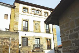 Colunga, Lastres, palacio de los Robledo