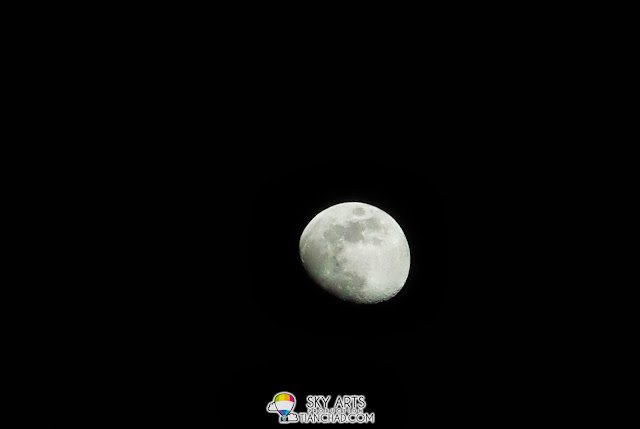 10 x Zoom and able to capture the moon using Manual Mode on Samsung GALAXY S4 Zoom
