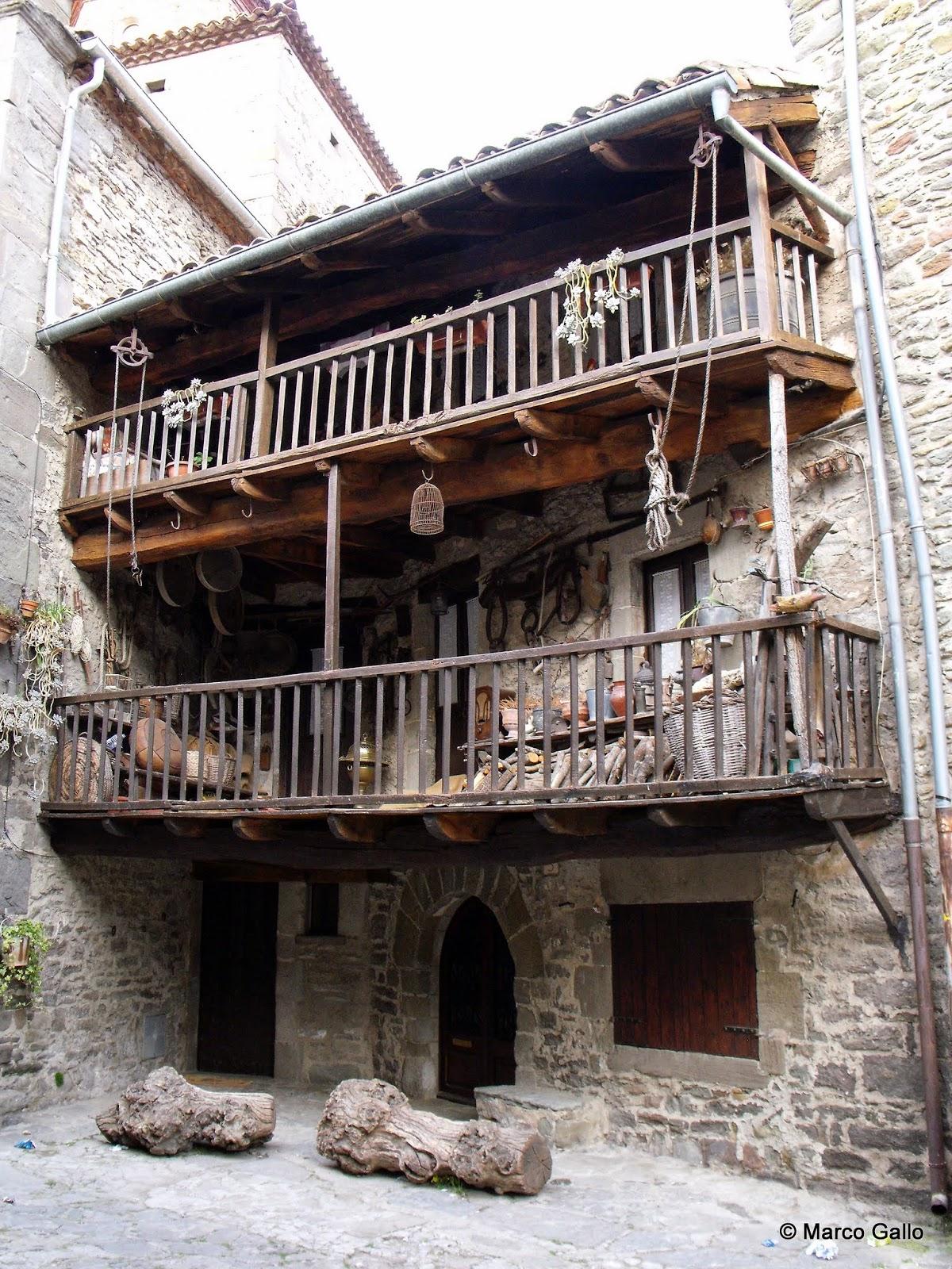 Vivir viajando rupit y pruit arquitectura medieval en for Arquitectura medieval