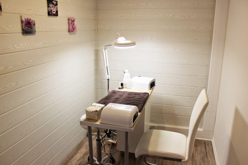 manon beaut le salon de beaut o l 39 on se sent bien la vie en lucie blog beaut. Black Bedroom Furniture Sets. Home Design Ideas