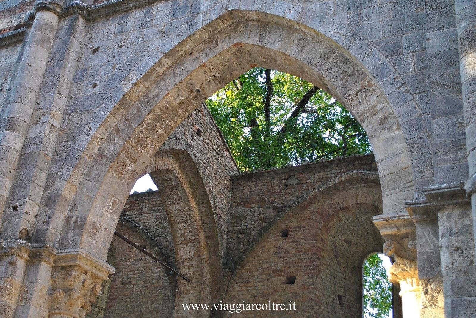 Luoghi da non perdere in toscana l 39 abbazia di san galgano for Giardino di ninfa cosa vedere