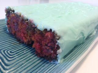 Crazy color kaka utan ägg, vetemjöl och mjölk