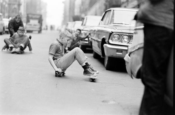 #Skaturday Cóctel Demente: Bill Eppridge patinetes en NYC 1965