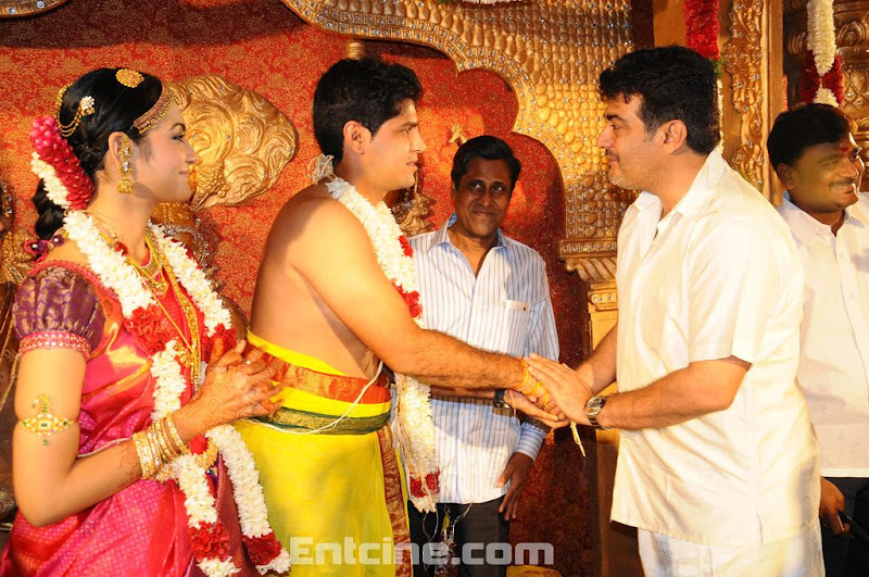 Ajith Family Cricketer Srikanths Son Aniruddha Wedding Reception Event Stills