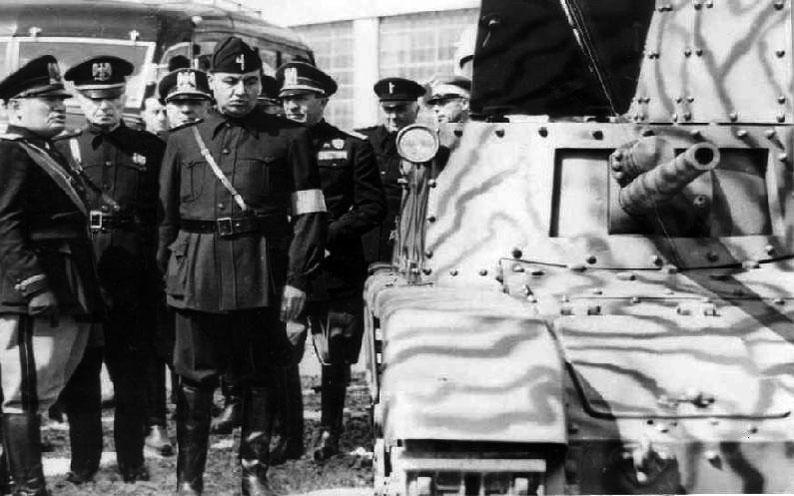 Mussolini+M11-39.jpg