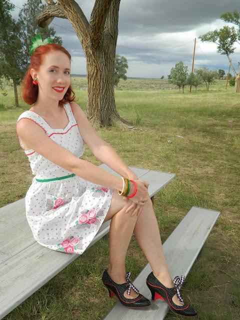1940's sundress pinafore sweetheart vintage Just Peachy, Darling